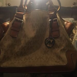 MK handbag excellent condition